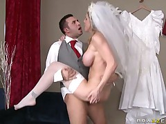Babe Kayla Paige gets fucked and jizzed in the face
