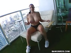 Gianna Works Out Her Pussy With Big Tits Bouncing