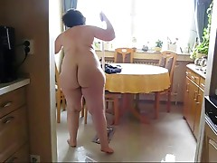 Chubby mature housewife version (mazpar12)