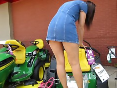 Public Pussy Flashing on Lawn Mower