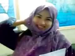 Paki Qari sb with beautiful paki hijab girl scandal