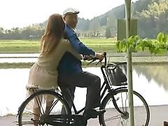 Horny Asian Couple Recreate a Vintage Outdoor Fuck