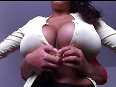 Big Tits Cleavage Queens