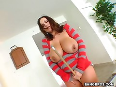Hot Latina Shows Her Big Natural Tits Before Getting Nailed