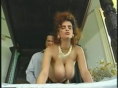 chic tits