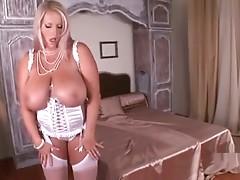 Laura M busty BBW