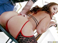 Curvy French bombshell Liza Del Sierra shows off her outstanding