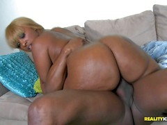 Ms Cherry Blossoms is a black BBW lady that loves