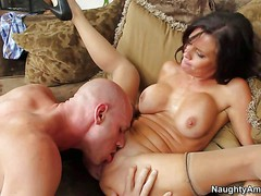 Sexy big meloned milf Veronica Avluv invites her neighbor Johnny