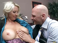 Big breasted office Emma Starr is a sexy lady that