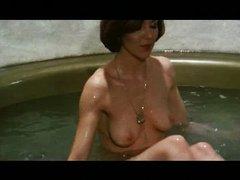 Raquel Evans - Linda