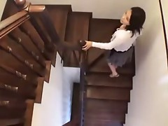mom wants the boyfriend of daughter 2