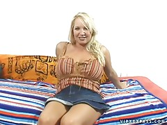 Titti Fuck And Handjob With  The Kinky Mom Rachel Love