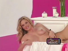 Steaming hot blondie Shallan Meiers goes so wild