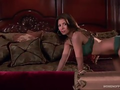 Mina Greco Shows Off Her Super Hot Body