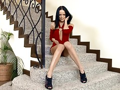 Staircase double satisfaction with a smoking hot brunette