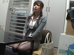 Busty Yuki Heiwajima shakes her ass and gets toyed