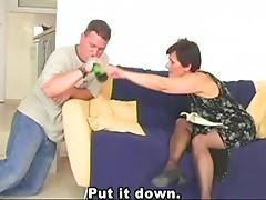 GILF allows to fuck her
