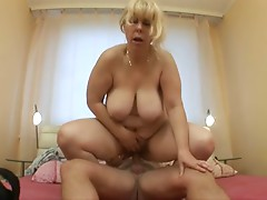 Very Sexy Mature! Enjoy
