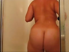 Chubby Amber takes a shower and shows her huge ass