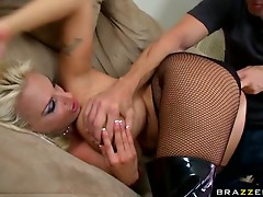 Some Hardcore Action With The Bootylicious Blonde Holly Halston