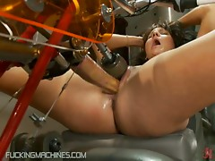 Slut Screaming Her Way To Orgasm On Machine
