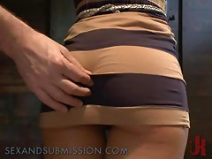 Kinky Babe Gets Screwed in the Dungeons