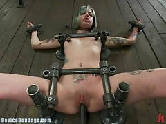 Hardcore Bondage With a Machine