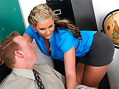 MILF Babe Phoenix Marie Gets Anal Fucked in Classroom