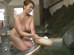 Japanese Mom: Bathhouse's Seducing