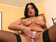 Pawg hoe Bea shows off her rounded body and masturbates in a solo action