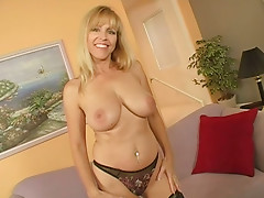 Cougar lady Nicole Moore has horny pussy and big boobies for you
