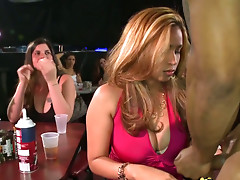 Cum addicted chicks enjoy giving a blowjob at the party