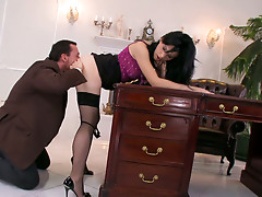 Whorish secretary Amabella gets her pussy licked properly
