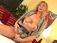 Busty blonde milf Rosalyn seduces young hunk Jeremy N with her mature body