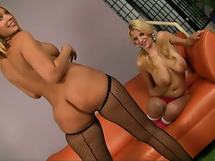 Wondrous blondies Mellanie Monroe & Haley Cummings pose naked