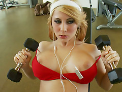 Horny fitness girl Madison Ivy likes to fuck in the gym