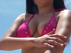 The guy with a cam picks up Denise Everhart on a beach and gets a great blowjob