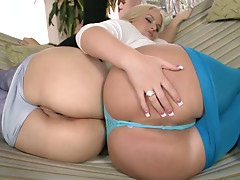 Fantastic fat sluts Julie Cash and Tatianna jiggle their booties